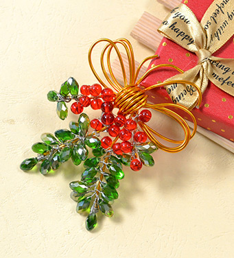 Charming Christmas Brooch with Beads and Wires